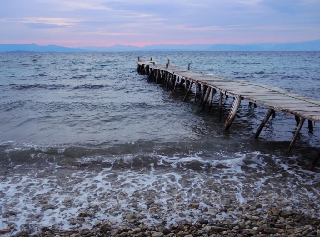 Mitsegeln Ionisches Meer: das bild zeigt einen Sonnenaufgang über Parga
